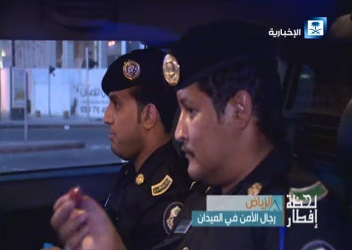 رجال الدوريات يفطرون في الشوارع لحماية الثغور وضبط الأمن (819406949) 