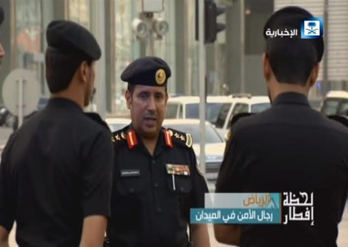 رجال الدوريات يفطرون في الشوارع لحماية الثغور وضبط الأمن (819406950) 