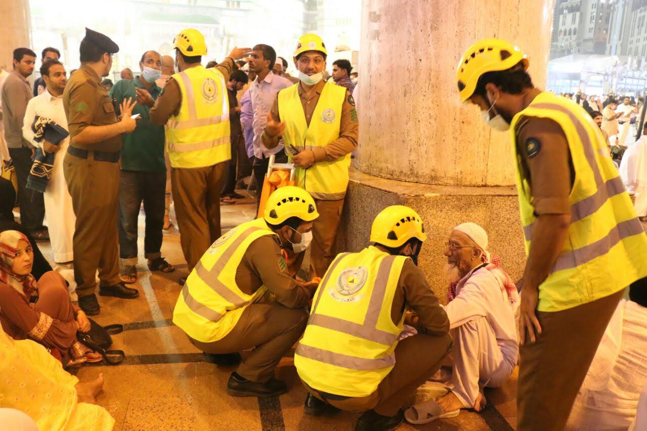 رجال امن مكة خدمة المعتمرين (1)