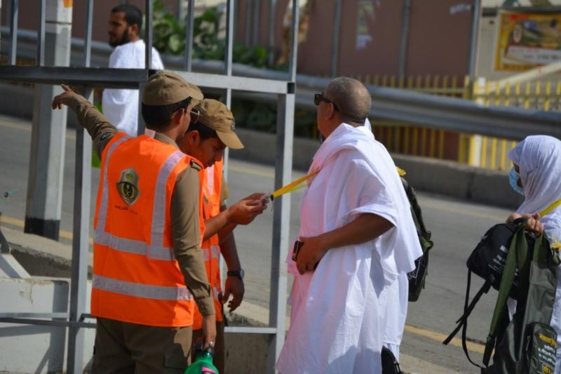 رحلة ضيوف الرحمن من مكة إلى مشعر منى فجر اليوم (313412396) 