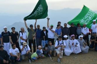 رفع علم السعودية في اعلى قمةعن طريق فريق هايكنج السعودية 13