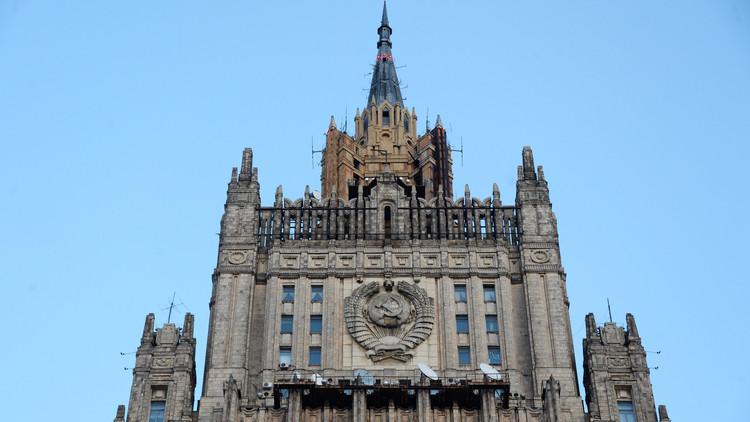 روسيا تطرد دبلوماسيين أمريكيين من موسكو