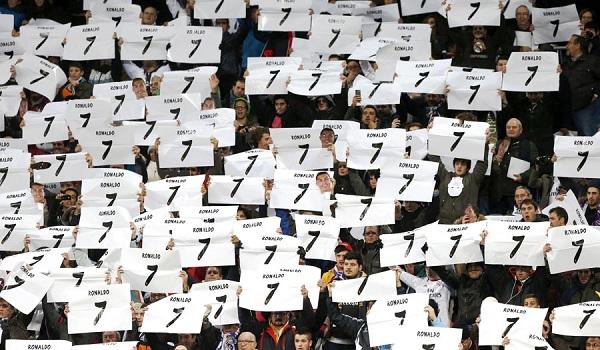 كرستيانو رونالدو: ارتديت القميص رقم 7 بسبب هذا المدرب !