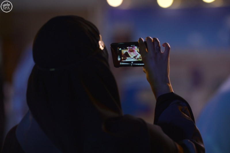 زائرو الجنادرية تابعوا العرضة السعودية1