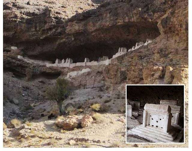 زاهدان مقبرة معارضي الملالي في ايران (2)