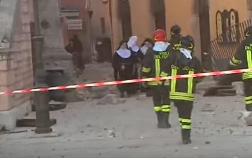 زلزال ايطاليا 6