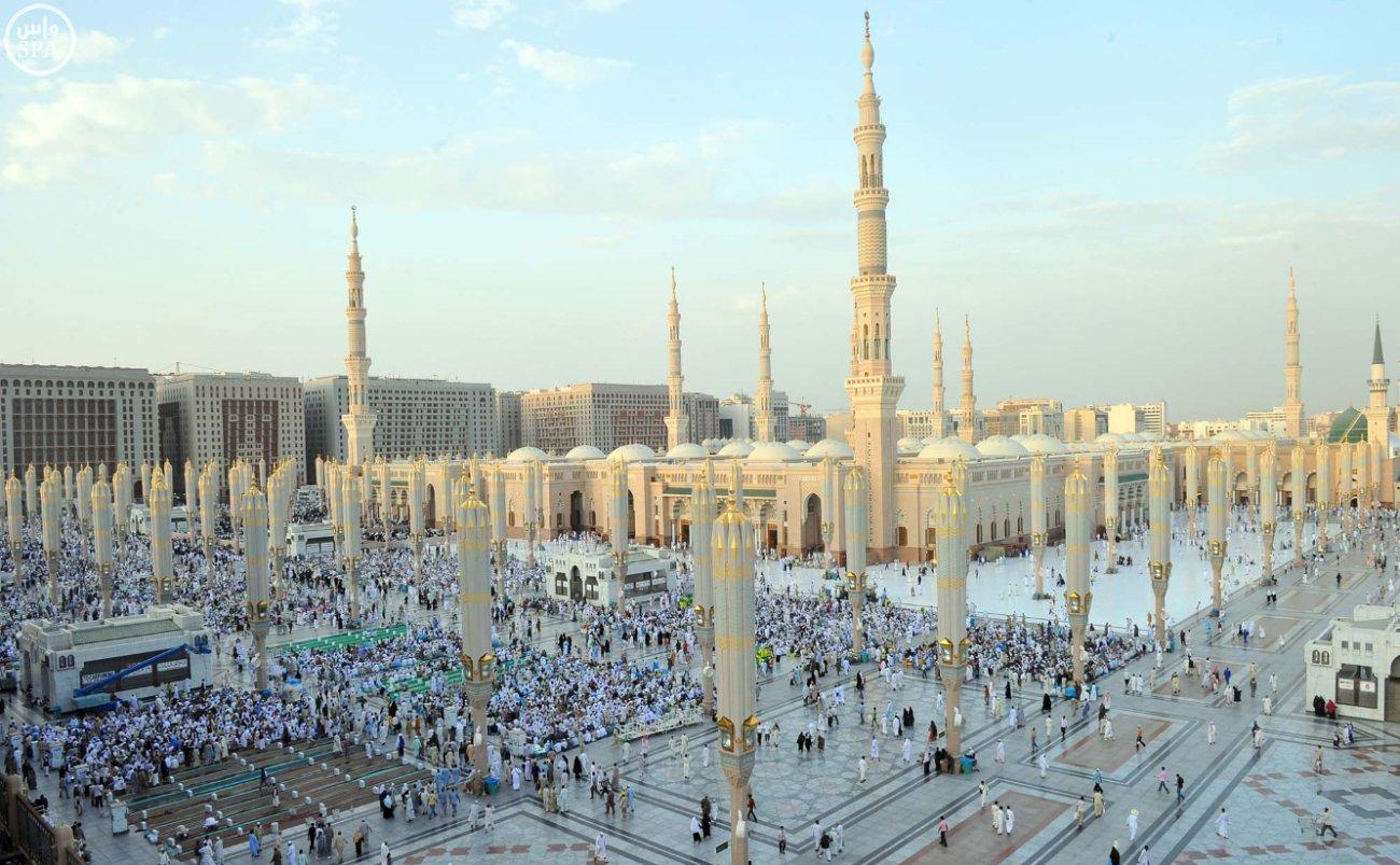 زوار المسجد النبوي بالمدينة المنورة (3)
