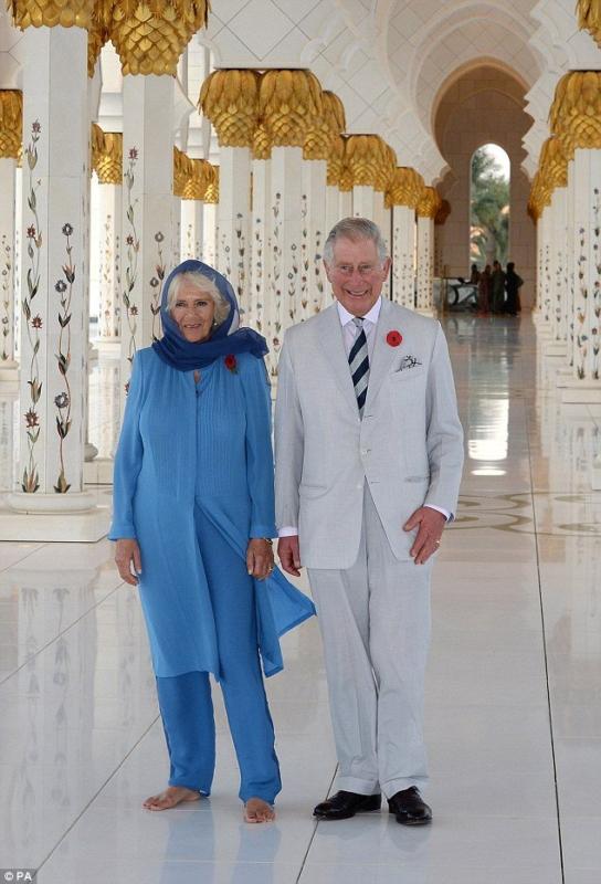 زوجة الامير تشارلز بالحجاب (2)