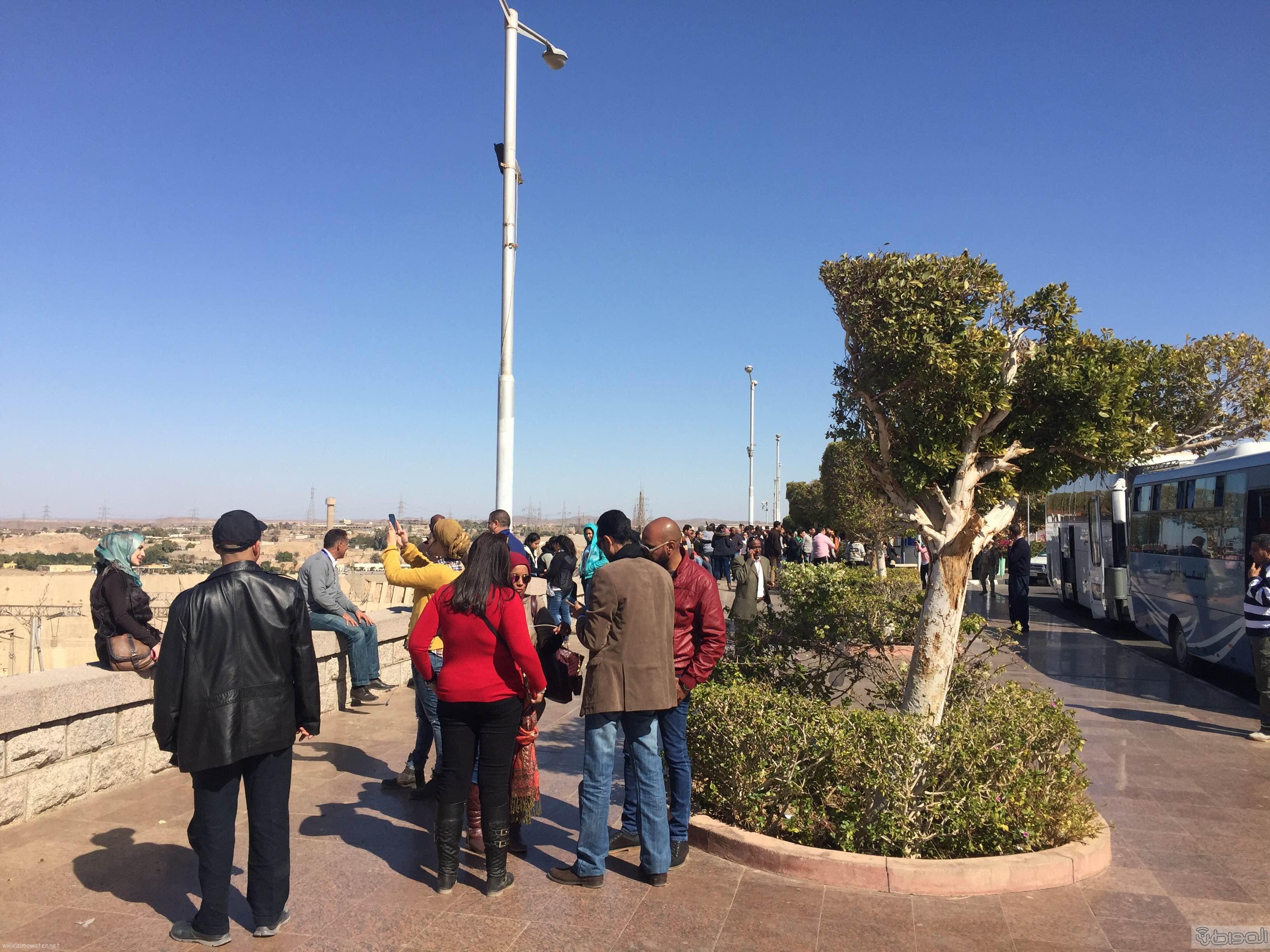 زيارة الاعلام السياحي لمعبد الفيلة والسد العالي باسوان (17)