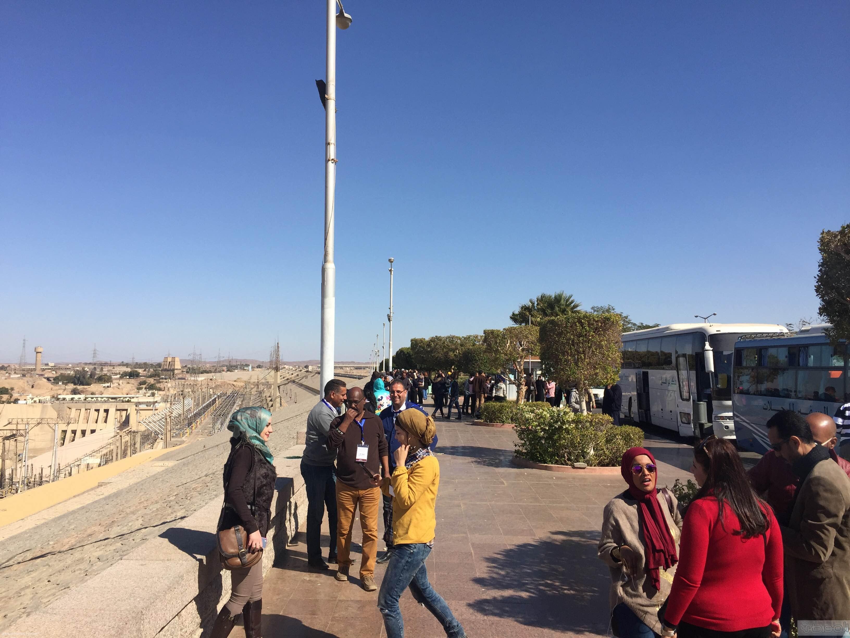 زيارة الاعلام السياحي لمعبد الفيلة والسد العالي باسوان (18)
