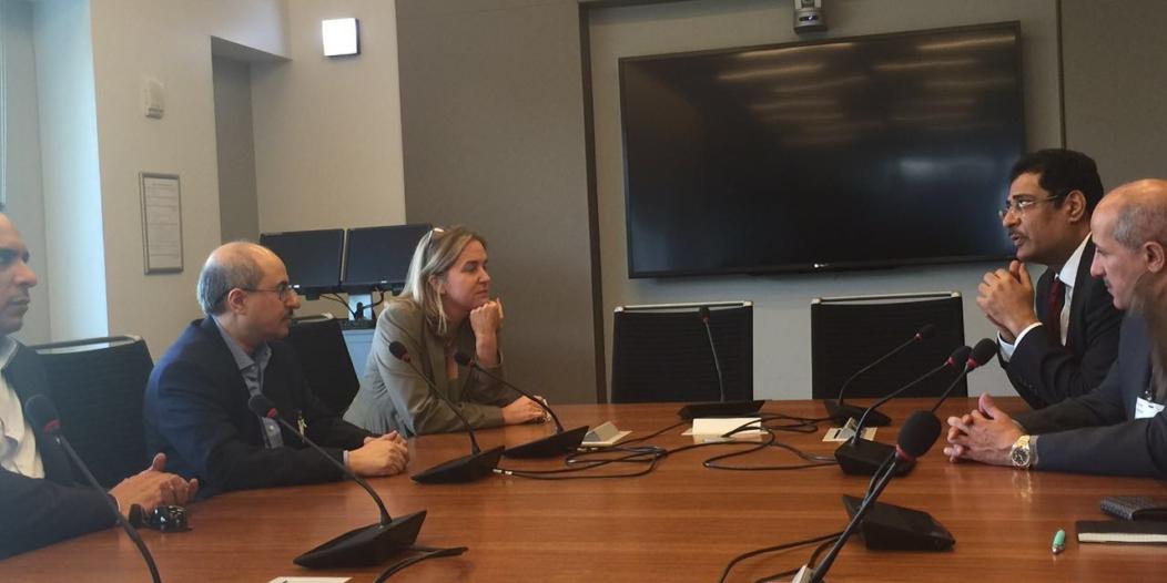بالصور.. رؤساء تحرير الصحف السعودية يَزورون مقر الراديو الوطني العام في واشنطن