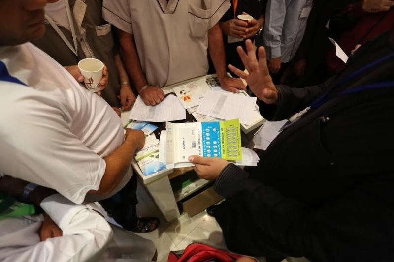زيارة جمعية مكافحة التدخين تجذب ضيوف برنامج خادم الحرمين للحج 4