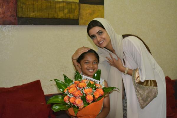 علا الفارس تلتقي أبناء دار جمعية البر بجدة وتشيد برعاية الأيتام - المواطن