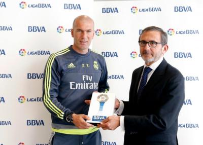 زيدان أفضل مدرب في الدوري الاسباني1
