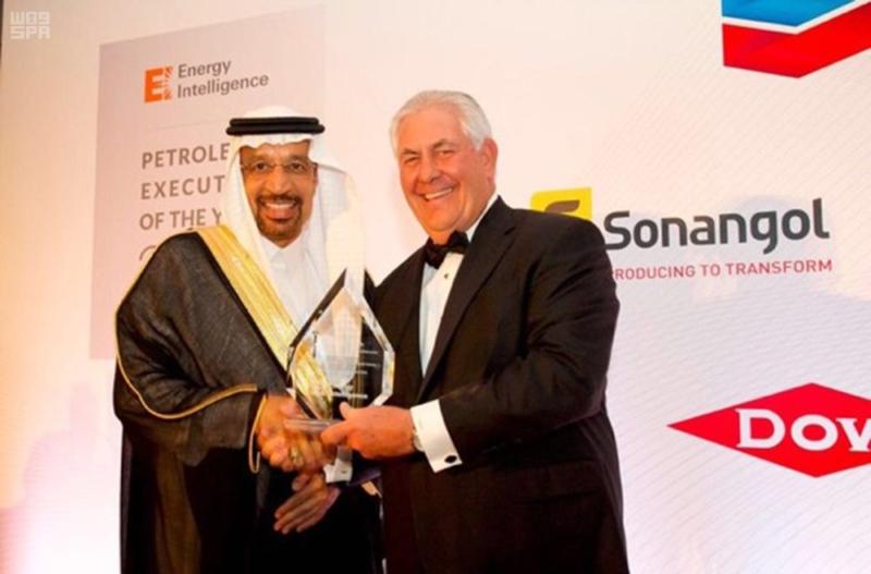 """زير الطاقة والصناعة والثروة المعدنية يحصل على لقب """"أفضل شخصية تنفيذية في قطاع البترول لعام 2016 1"""