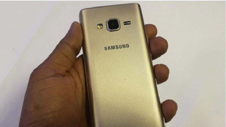 سامسونغ تطلق هاتفا متكاملا بـ 70 دولار فقط