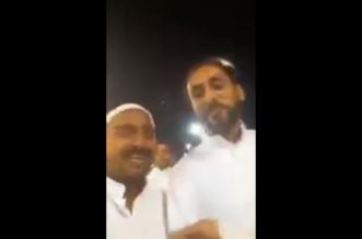 شاهد.. أحد مشجعي الشباب يمازح سامي الجابر في الجمرات والأمن يتدخل - المواطن