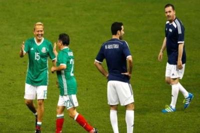 سامي الجابر وأبو تريكة يعودان للملاعب مع مورينيو (1)