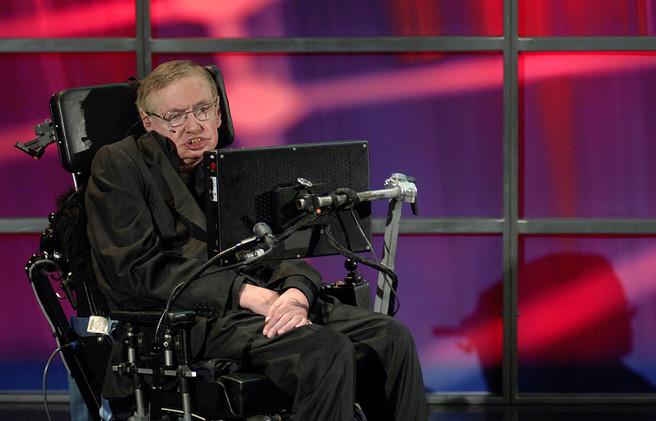 بيع كرسي ستيفن هوكينغ ورسالته بمليون دولار