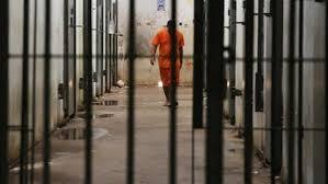 سجناء يحتجزون حُراساً رهائن في البرازيل - المواطن