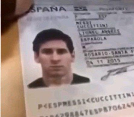 سجن مصور جواز سفر ميسي