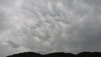 سحب الماماتوس تظهر بسماء وادي العرج (218010293) 