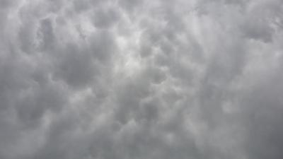 سحب الماماتوس تظهر بسماء وادي العرج (218010294) 
