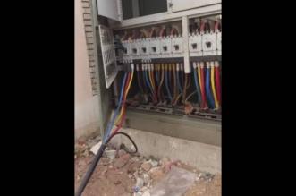 بالفيديو .. مواطن يوثق سرقة الكهرباء من عداد مفتوح بجدة - المواطن