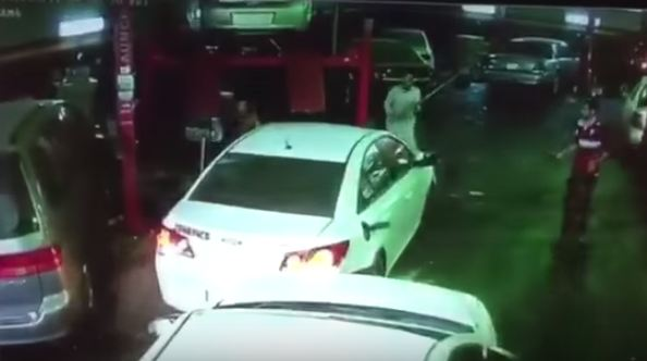 سرق-سيارة