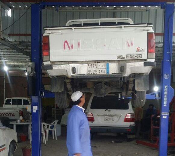 سعد شاب سعودي ميكانيكي في بيشة (3)