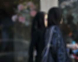 فصْل طالبتين جامعيتين نشرتا صور وأرقام زميلاتهما - المواطن