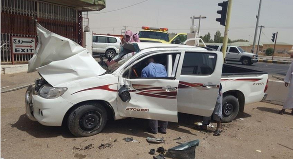 سعودي أصيب بنوبة صرع فاقتحم وكالة سيارات (1)