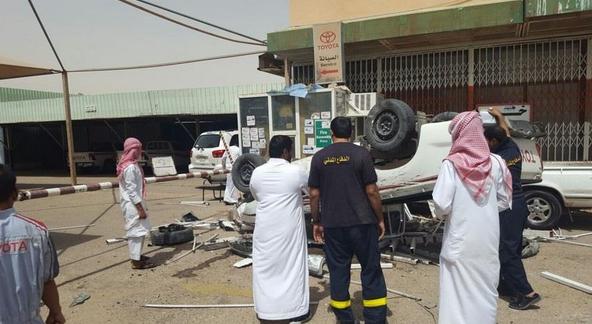سعودي أصيب بنوبة صرع فاقتحم وكالة سيارات (4)