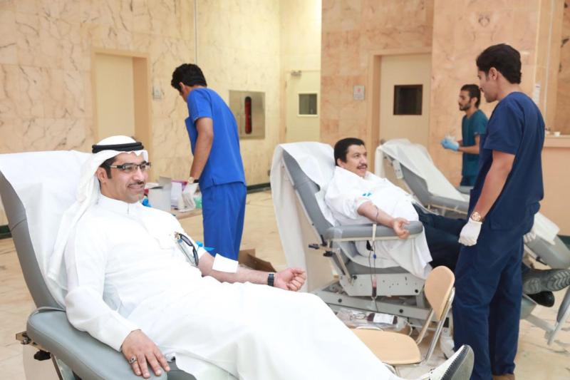 سعود الطبية تُعايد مرضاها بحملة للتبرُع بالدم2