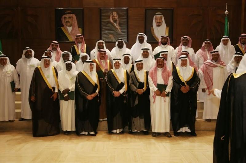 سعود بن نايفيرحب بالمبادرات النوعية التي تخدم المنطقة 4
