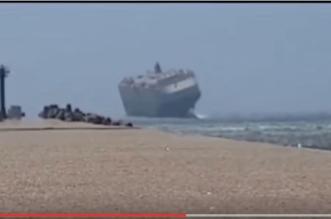 بالفيديو.. سفينة ضخمة تقاوم الجنوج بسبب الرياح العاتية - المواطن