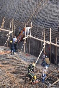 سقوط خزان ارضي يتسبب بوفاة وإصابات في عنيزة6