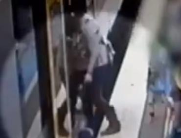 سقوط طفلة تحت القطار