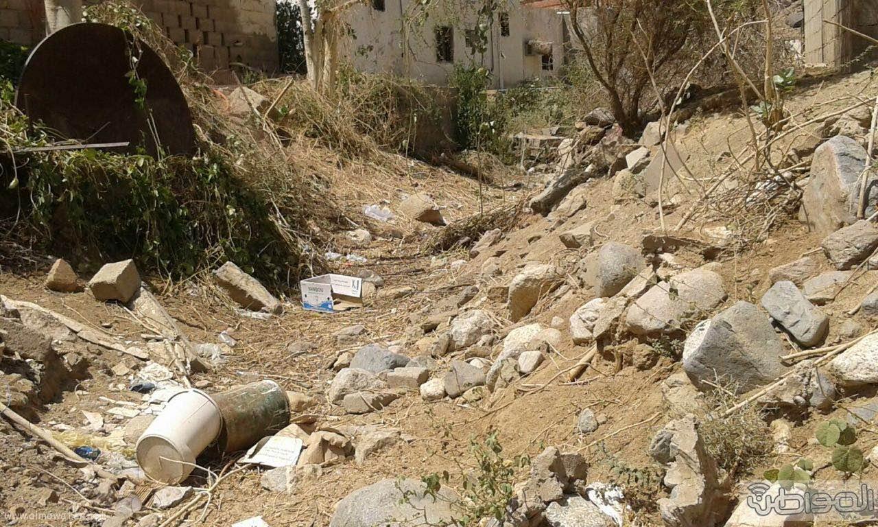 سكان قرية ال طارق بالعرضيات يشكون العزلة وغياب الخدمات البلدية (4)
