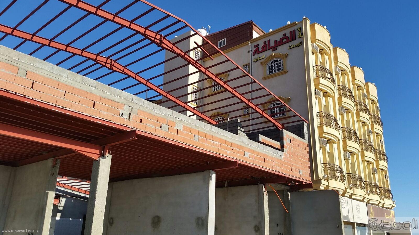 سكان مخطط عتود بخميس مشيط يطالبون بايقاف انشاء مشروع خدمة سيارات (4)