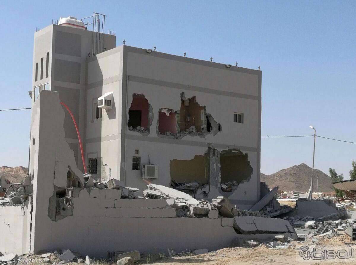 سكان واهالي قرية المقنعة يشكون من اصوات معدات الازالة (2)