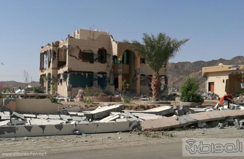 سكان واهالي قرية المقنعة يشكون من اصوات معدات الازالة (3)