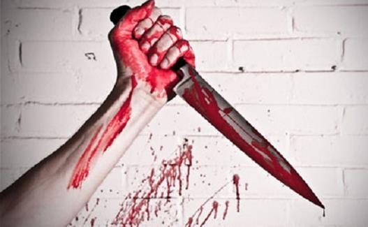 سكين-ملطخة-بالدماء