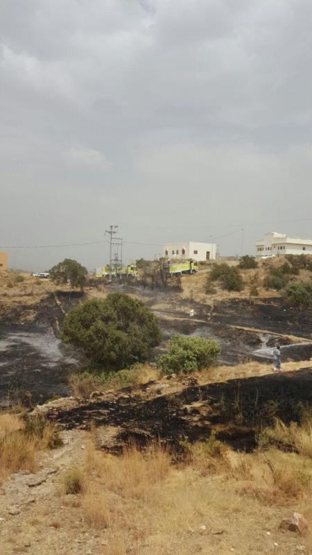 سلك ضَغْط عالي يتسبب في حريق أراضي زراعية بجماجم الباحة (284259504) 
