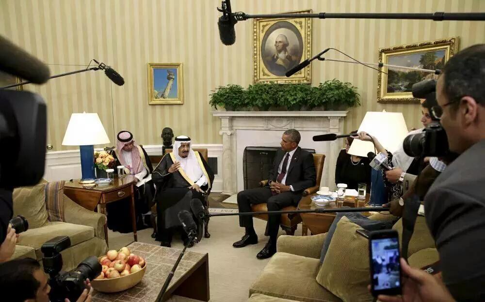 شاهد صور إجتماع #الملك_سلمان مع الرئيس الأمريكي