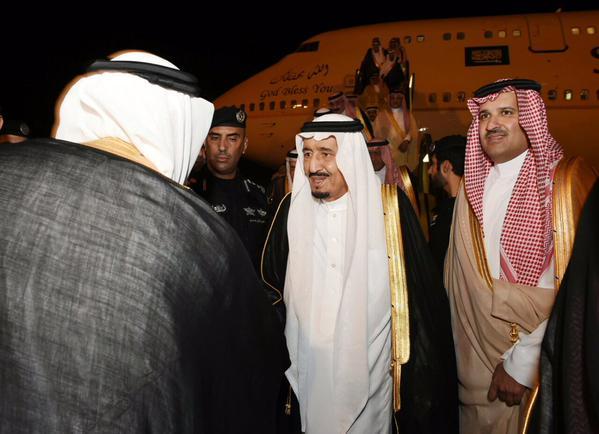 شاهد بالصور .. وصول الملك سلمان للمدينة المنورة - المواطن