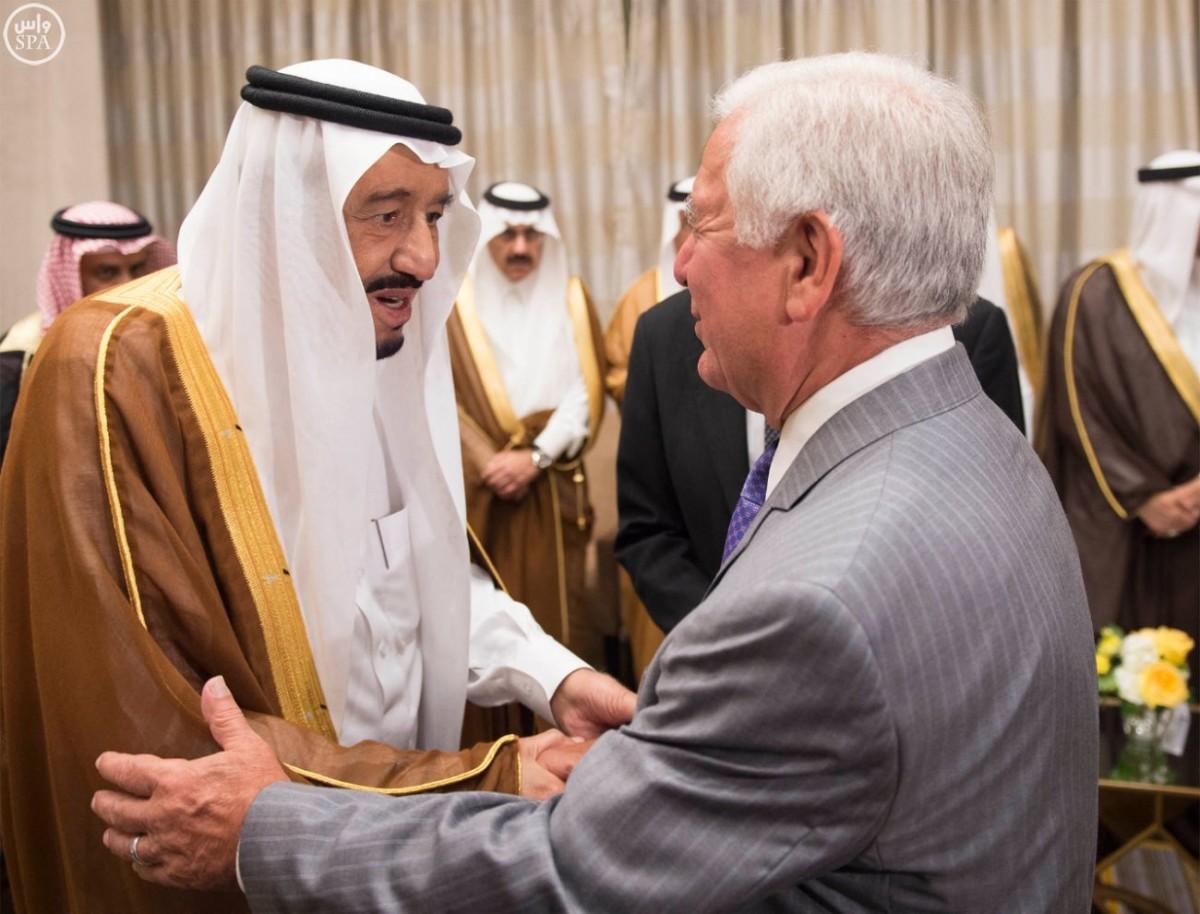 #الملك يستقبل عددًا من الشخصيات الإسلامية بالولايات المتحدة - المواطن