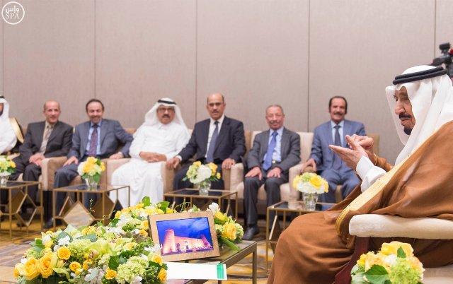 بالصور.. #الملك_سلمان يستقبل رؤساء تحرير الصحف المحلية - المواطن