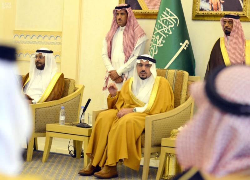 سمو الأمير فيصل بن مشعل يطلع على 46 مشروعاً لصحة منطقة القصيم 1