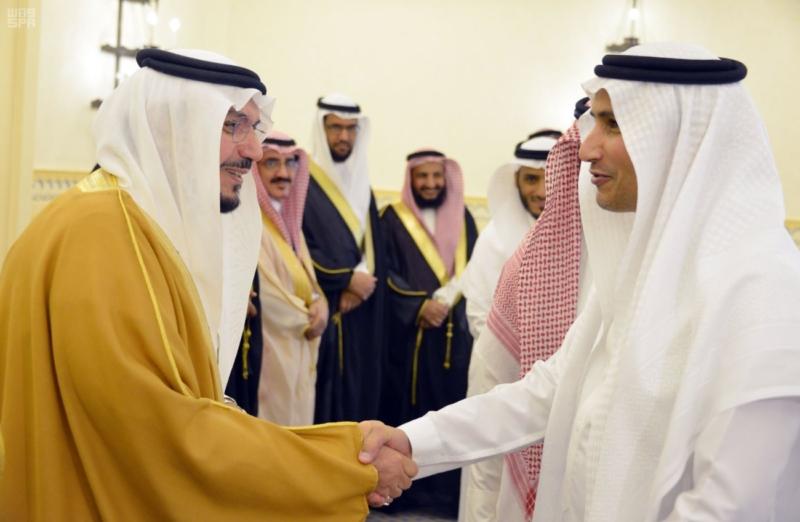 سمو الأمير فيصل بن مشعل يطلع على 46 مشروعاً لصحة منطقة القصيم